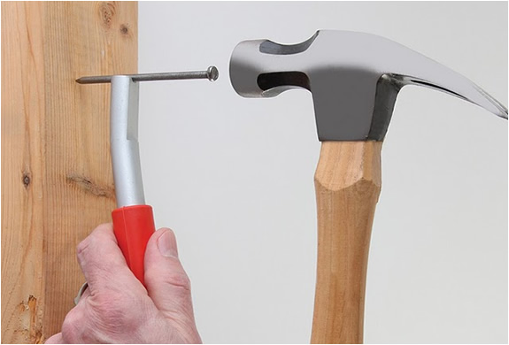 ThumbSaver Magnetic Nail Setter