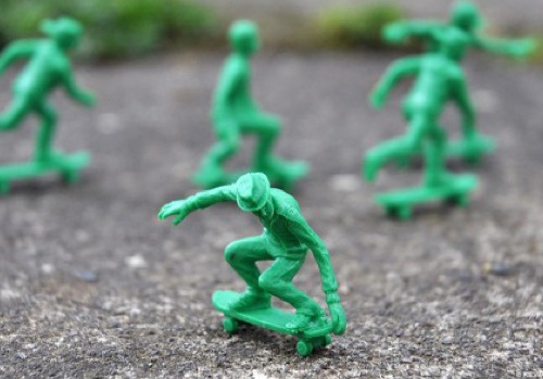 AJ's Toy Boarders Skateboard Army Men